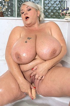 hot sexy naked women with big tits